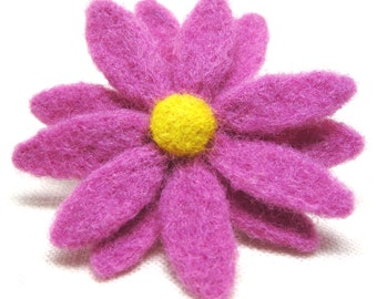 Light Purple Daisy Flower Brooch, Needle Felted Wool Coat Pin, Jewelry for Charity