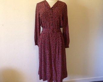 Vintage Dress - SILK Paisley Shirtdress with Mother of Pearl Buttons and Matching Belt