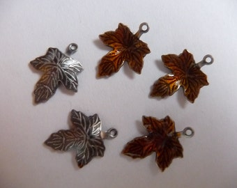 Charm, Enamel, and Antiqued, Silver-Plated, Brass, Brown, 13x12mm, Single-Sided, Maple Leaf, Pkg Of 8