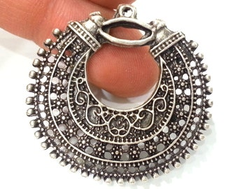 2 Pcs (40 mm) Oxidized Silver Plated  Medallion  Pendants   G1992
