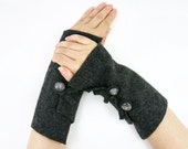 Gray arm warmers felted fingerless gloves eco friendly fashion fingerless mittens wrists warmers arm cuffs recycled wool