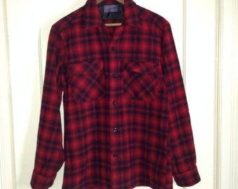 Vintage 1950's Pendleton Rockabilly Shadow Plaid wool Mens loop Shirt size Small Red Orange