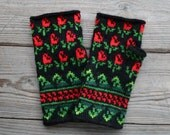 Floral Fingerless  Gloves  - Bohemian Gloves - Floral Wrist Warmers - Fashion Gloves - Gloves for Winter - Winter Accessories  nO 33.