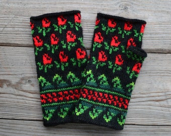 Floral Fingerless  Gloves  - Bohemian Gloves - Floral Wrist Warmers - Fashion Gloves - Gloves for Fall  nO 33.
