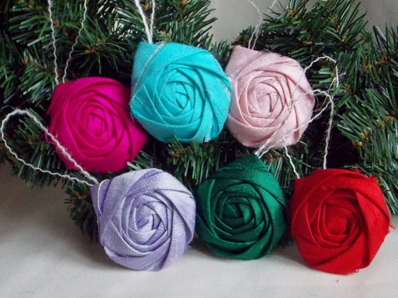 Rosette Ornament Holiday Ornament Christmas Decoration Gifts Hostess Teacher Gift Wrapping Red Green