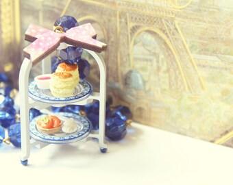 High tea in Paris necklace
