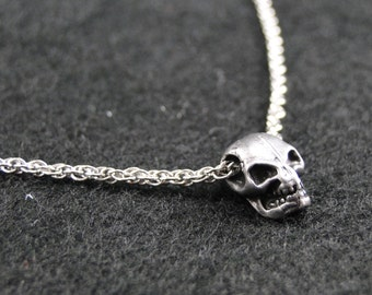 Human Skull Necklace Pendant Necklace - Silver Plated Charm on 18 inch silver rope chain