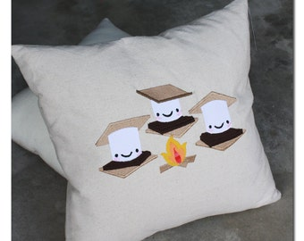 S'Mores Camping in the Outdoors Pillow Cover