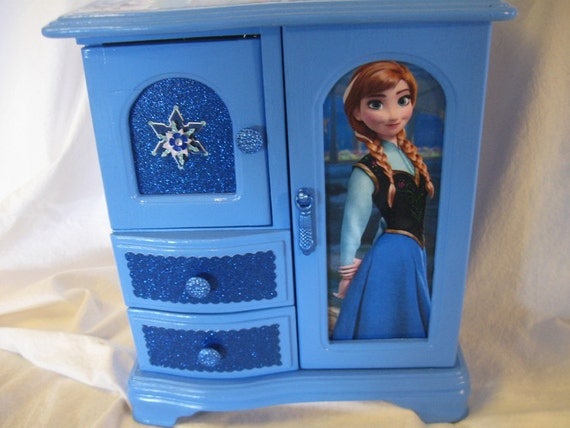 Disney S Frozen Anna And Elsa Upcycled Jewelry Amp Trinket