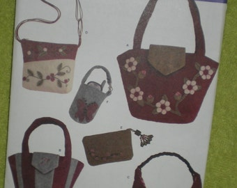 Handbags Pattern // Felt // Accessories // Simplicity Pattern 3715