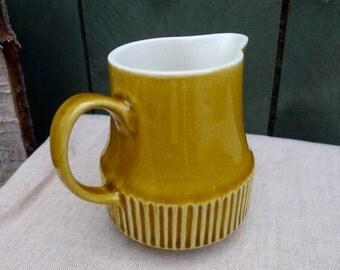 vintage ceramic creamer - golden rod yellow - glazed - vintage kitchen