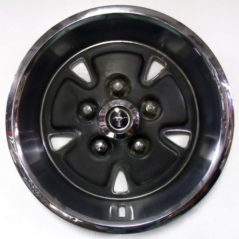 Vintage 1970 Ford Mustang Hubcap Hub Capon 1987 Ford Bronco Ii