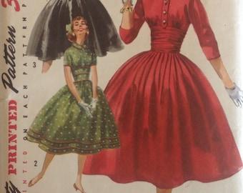 Vintage 1940s Simplicity Pattern  1726 Misses Size 16 One Piece Dress with Detachable Collar uncut Factory Folded