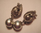 Vintage Earrings, 1950s Silver Gray Faux Pearl Clip Ons, Modern Teardrop Design, 13mm Silver Plated Focals, 45mm