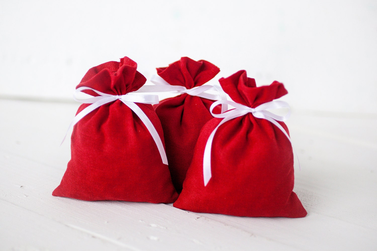 Red Wedding Gift Bags : Gift bags Wedding favours red linen gift bags set by PetitDeLin
