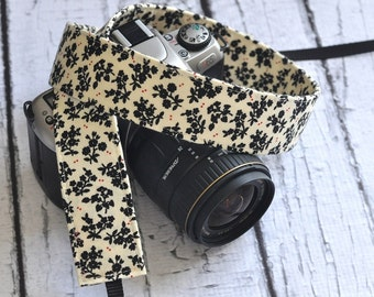 dSLR Camera Strap - Cream Vintage Inspired Floral