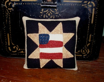 July Woolen Pincushion with Flag Kit