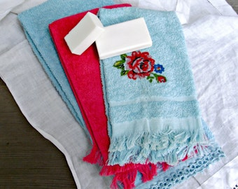 Vintage Bathroom Hand Towels | Set of Three