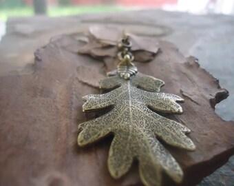 BRONZE OAK LEAF long chain necklace (1678)