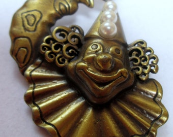 vintage jonette jewelry jj pin brooch //  pin signed jj vintage // made in the usa // unique gift // jj vintage clown pin