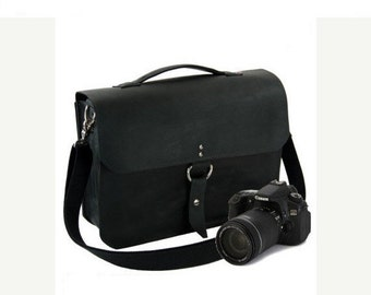 "15"" Black Sonoma Midtown Leather Camera Bag"