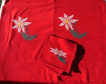 Red Thick Cotton Tablecloth , Floral Stitched With 6 Napkins