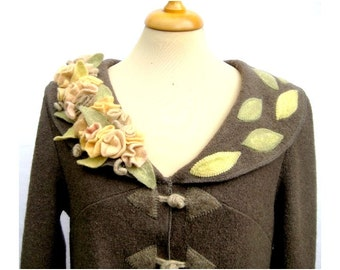 Romantic grey boucle woolen coat with felted roses