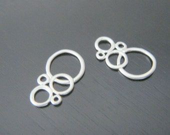 Matte silver Multiple Circle Long Connector, Pendants, Charms, Earring Findings, 2 pc, S515342