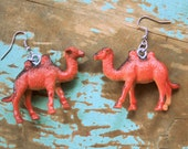CAMEL Earrings.....plastic. pierced ears. kitsch. retro. safari. animal lover. giraffe jewelry. handmade. zoo animals. safari jewelry