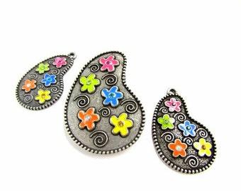 Floral Paisley Pendant Set
