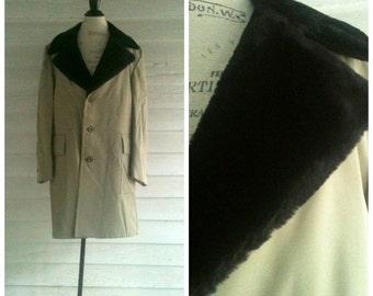 Men's Vintage Coat - Vintage 60s 70s Gray Winter Coat / Jacket with Black Faux Fur Collar, Totally Lined in Fur