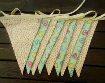 heart bunting - heart decor - girls bedroom decor - girls bunting - love heart bunting - pretty bunting - summer bunting