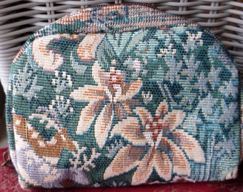 Vintage Tapestry Bag, Floral Print w/Zippered Opening & 2 Interior Pockets