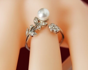 BRIDESMAIDS Ring