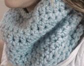 Circle Scarf Chunky Cowl Infinity Scarf / Baby Blue / Crochet Neck warmer Loop Scarf, Chunky Eternity Scarves, Fall Winter Fashion