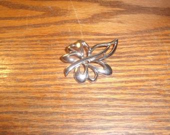 vintage pin brooch silvertone
