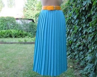 Pretty Pleated Skirt Vintage / Blue / Size EUR44  x UK16
