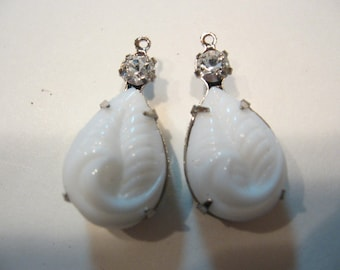 Vintage White wedding Earrings 18x13mm Pears with 4mm swarovski crystal rhinestones 28x19mm Silver Pendant Qty - 2