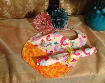 Colorful Birds Bib & Burp Cloth Set