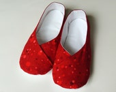 Womens Kimono Slippers - House Shoes - Indoor Shoes - Red Dots