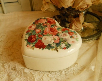 Vintage Roses Heart Lidded Dish Pink Red White Roses on White Heart Shaped Dish Telaflora Gift Serving Dish Home Decor Shabby Chic Cottage
