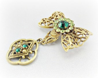 Vintage Gold Bow Charm Brooch Pin, Green Rhinestone Brooch, Gold Filigree Dangle Brooch, 1950s Antique Costume Jewelry, Victorian Revival