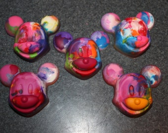 Recycled Crayons. Kids Crayons. Disney. Party Favors. Set of 4 Crayons. Rainbow Crayons. Mickey Mouse Inspired.