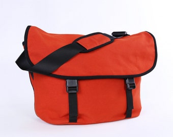 """CLEARANCE SALE / Messenger No. 1 / Large / Ready to ship / Burnt Orange / Lined with Beige / Computer Compartment Fit up to 15"""" MBP"""