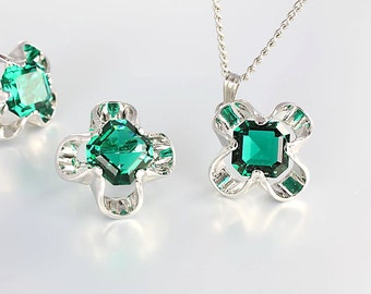 Emerald Necklace, Green Crystal Earrings Quatrefoil French cut Park Lane, Vintage jewelry