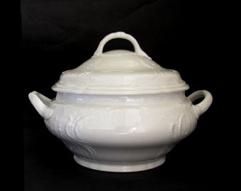 Rosenthal Germany Sanssouci Classic Rose White Tureen with Lid Vintage