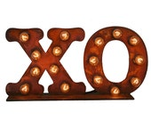 XO Sign, Illuminated