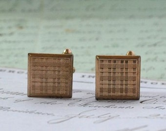 SALE! Vintage 1950s Gold Toned Cuff Links