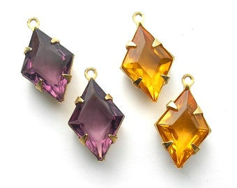 Four Pieces 15x10mm Diamond-Shaped Vintage Glass Jewel Charms - Antiqued Brass
