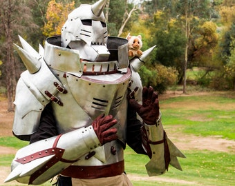 Alphonse Elric: Full Metal Alchemist in full real metal armor, Steampunk accents